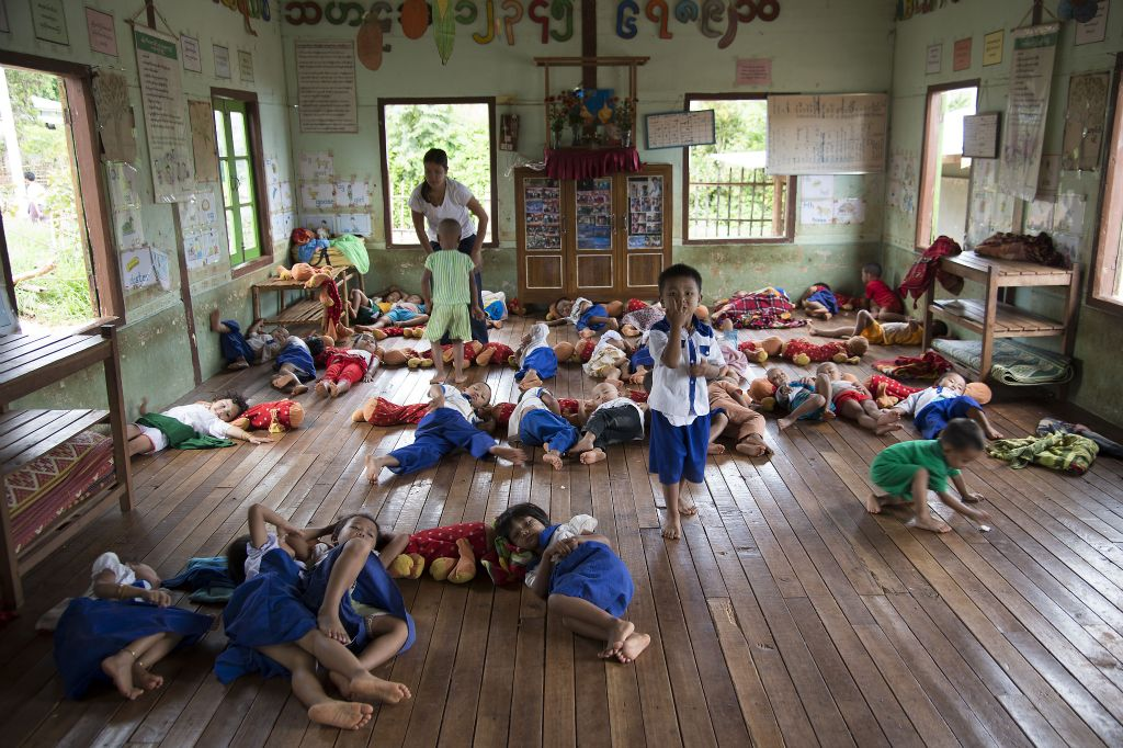 Inle Lake, Thein, school
