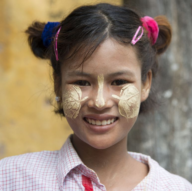 Mandalay, girl with tanaka on her face