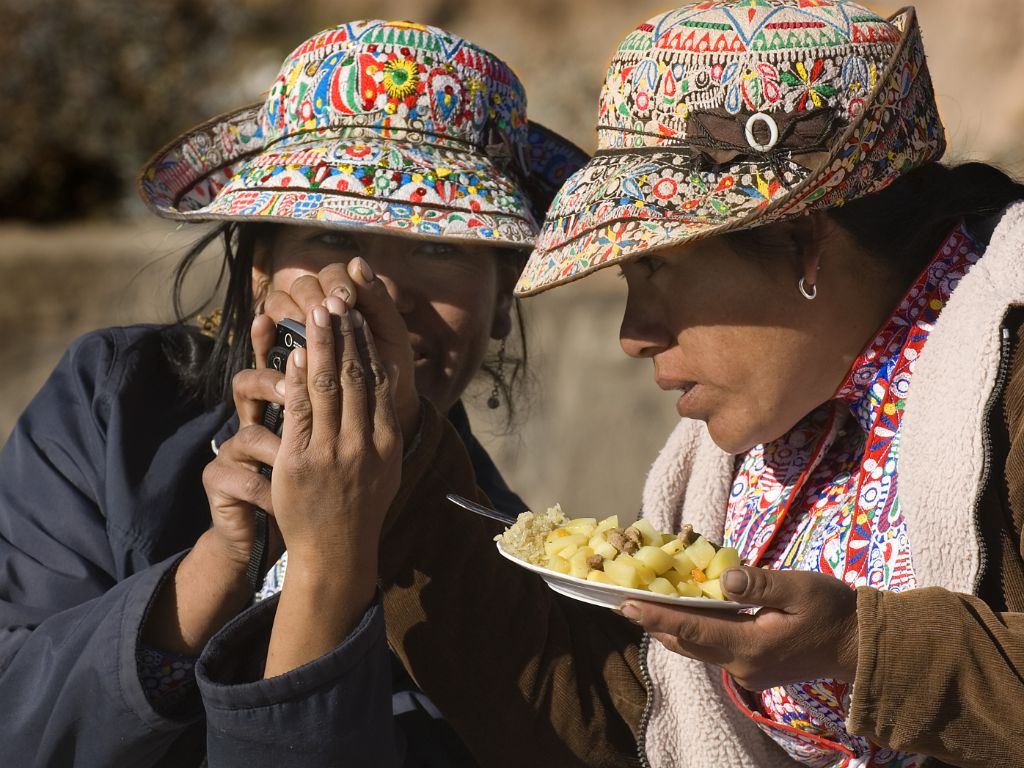 Women in Colca Canyon